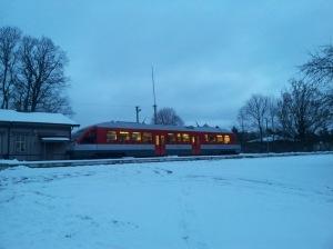 Paskutinis traukinys dar laukia. Dar yra viena vieta šalia.