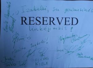 Čia tie autografai. Rezervuoti tokie.