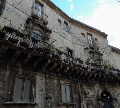 Sirakuzai-balkonai (1)